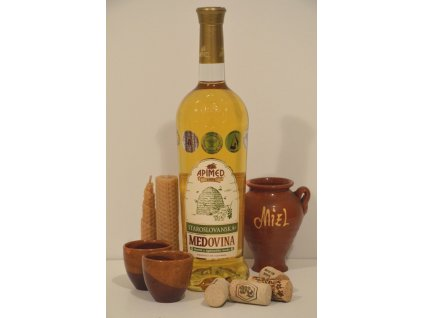 Apimed - Staroslovanska medovina (Old Slavic light mead)  0.75l